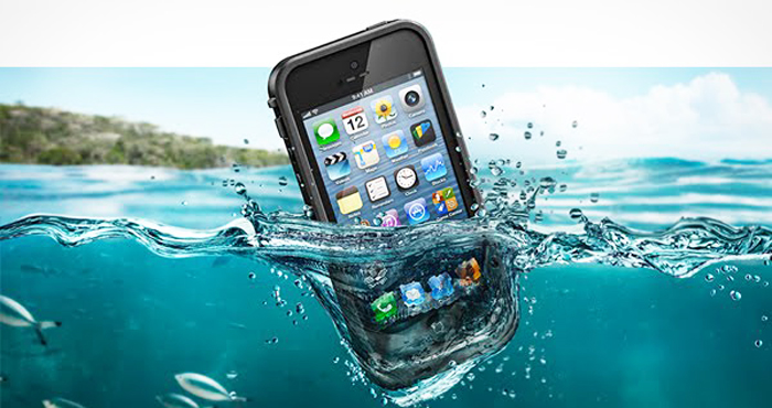 iPhone 5 in Water